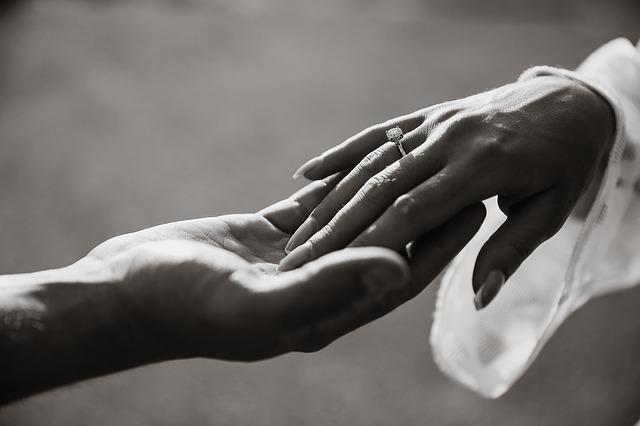 プラチナが結婚・婚約での指輪に選ばれる理由