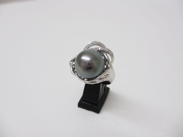 Pt900(プラチナ) 指輪 ブラックパール12.8mm ダイヤ0.12カラット