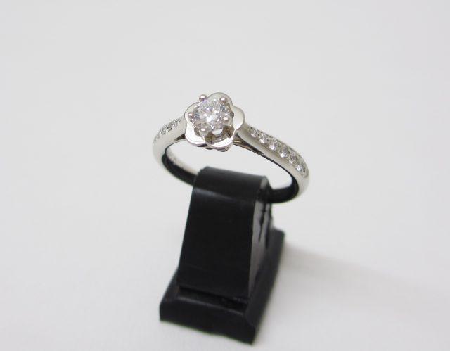 CHANEL シャネル Pt950(プラチナ) カメリアリング ダイヤモンド