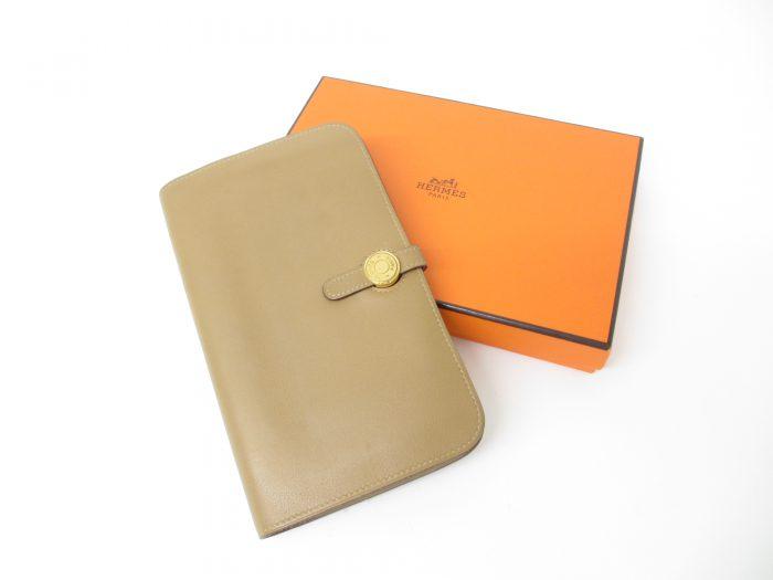 HERMES エルメス ドゴンGM ヴォースイフト ビスキュイ二つ折り長財布 □M刻印(2009年製造)ゴールド金具