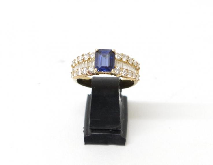 K18イエローゴールド 指輪 サファイヤ1.31カラット ダイヤ1.16カラット