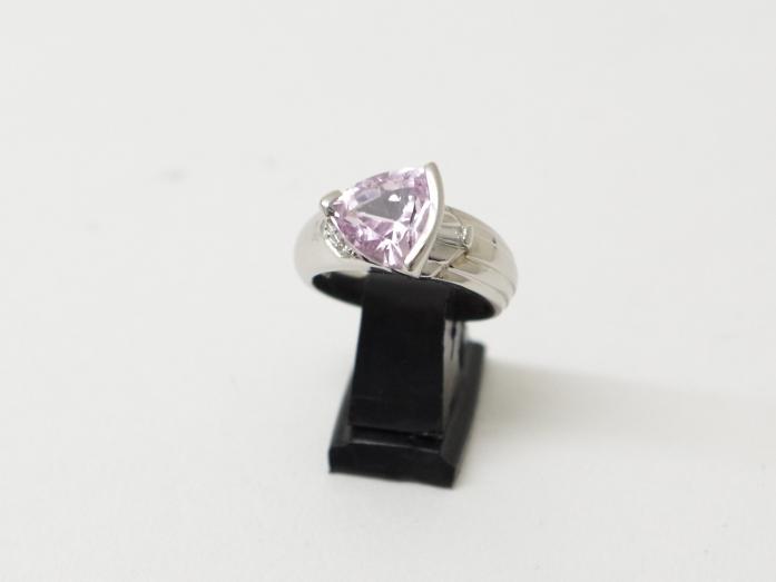 Pt900 指輪 クンツァイト3.60カラット ダイヤ0.04カラット(11月限定4周年記念・10%UPキャンペーン価格!)