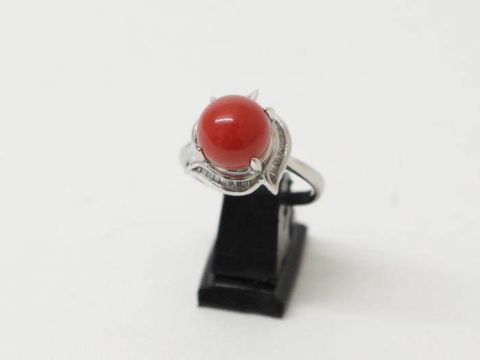Pm900 サンゴ指輪 約10mm ダイヤ0.43カラット