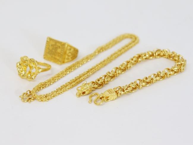 K24 純金 ネックレス・ブレス・指輪一式(2020年2月時点。買取単価は毎日変動します)