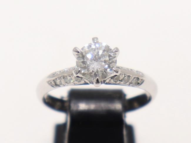 Pt900 1粒ダイヤモンド 婚約指輪 0.78カラット(3月限定・査定金額10%UPキャンペーン価格!)